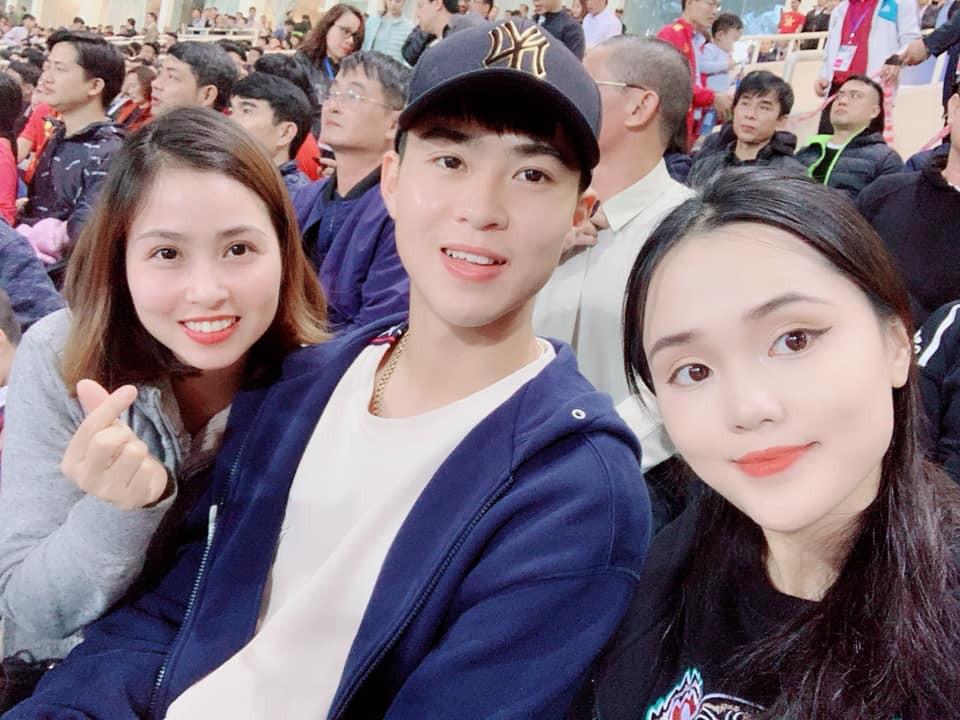 Không cùng U23 Việt Nam ăn mừng chiến thắng, Văn Đức lại ghi điểm bởi hành động cực đẹp tại SVĐ Mỹ Đình