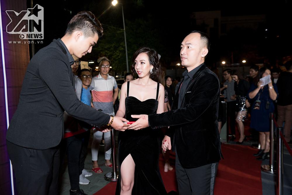 Dàn sao khủng nô nức đến chúc mừng Chị Mười Ba của vợ chồng Thu Trang - Tiến Luật