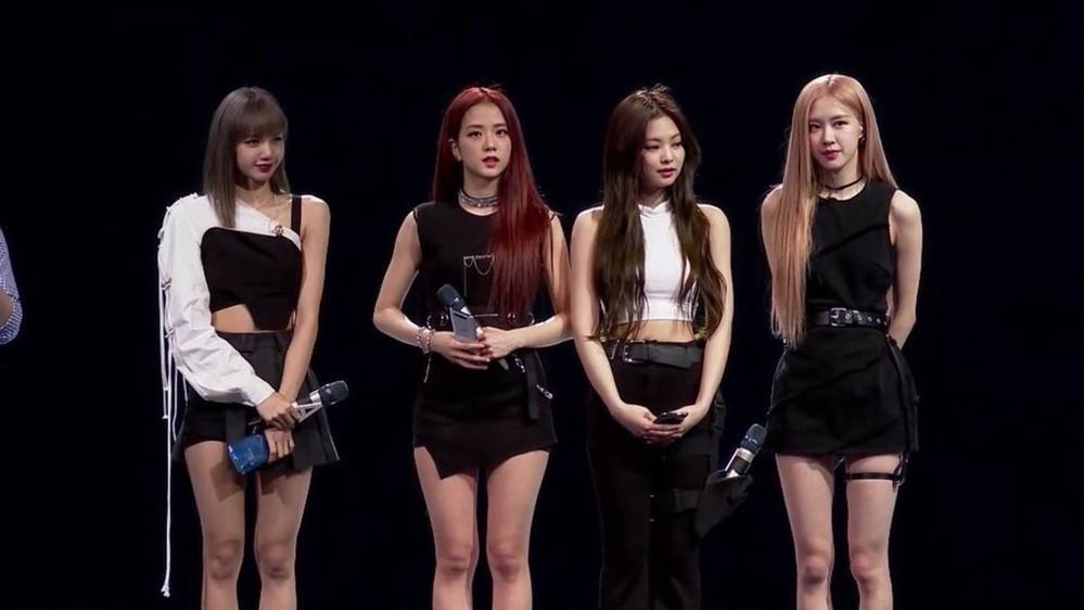 BLACKPINK tại sự kiện ở Thái Lan: Ai cũng xinh đẹp nhưng đều thua Lisa ở khoản này