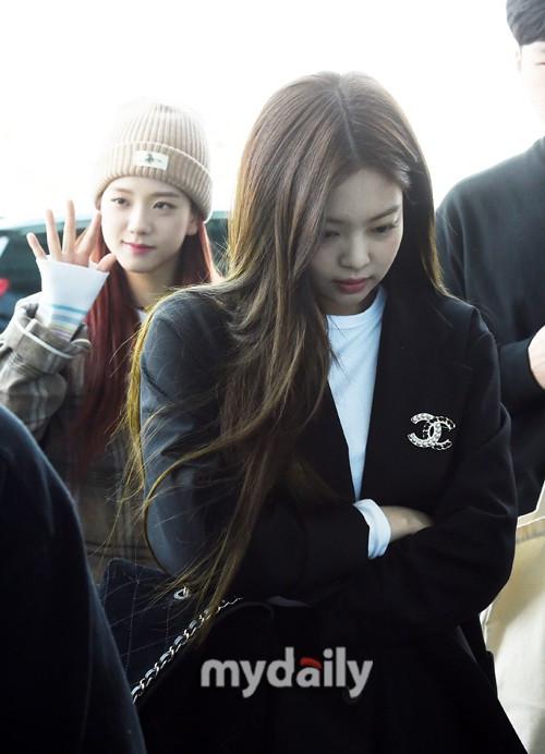 Màn đọ sắc gay cấn của dàn mỹ nhân Hàn: Black Pink siêu xinh, nhưng Hyuna lại chiếm spotlight vì gương mặt đơ cứng