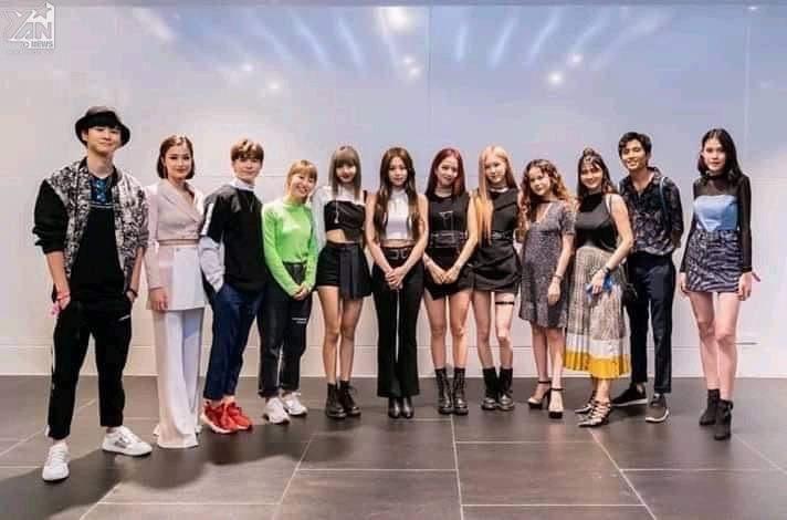 Đây là sao Việt đầu tiên đứng chung khung hình cùng BLACKPINK khiến fan rần rần