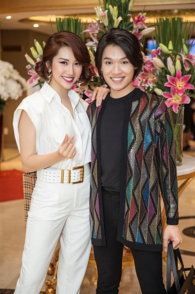 Cùng cover Anh đang ở đâu đấy anh, Quang Trung đứng hình trước giọng hát của Hân hoa hậu: Lạc tone