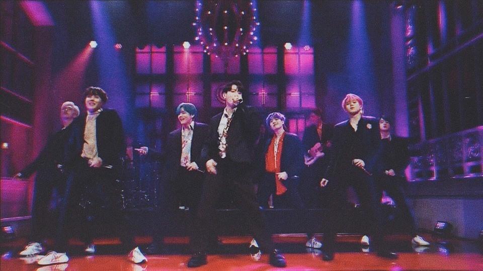 BTS lần đầu diễn live Boy With Luv trên sóng truyền hình Mỹ