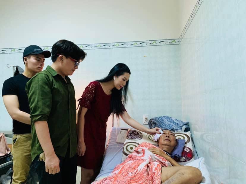 Bật khóc khi gặp Cát Phượng, nghệ sĩ Lê Bình khiến ai cũng xót xa: Lần này anh đau quá em ơi