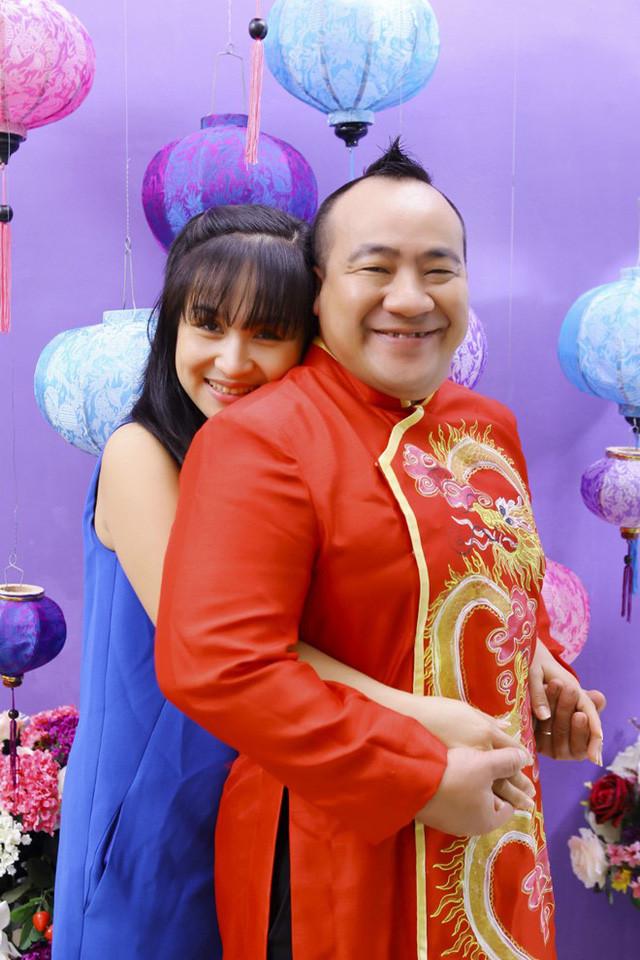 Không phải soái ca cực phẩm nhưng thật bất ngờ khi nửa kia của các danh hài Việt lại toàn những nhan sắc mỹ miều