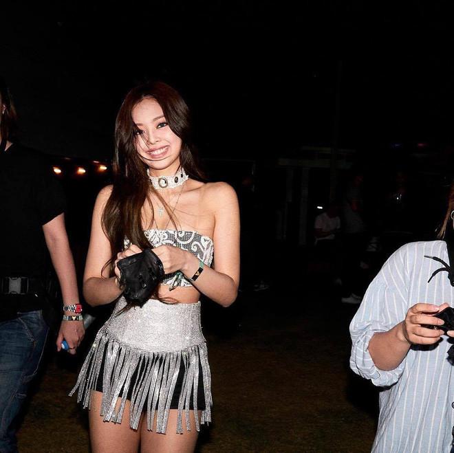 Tất tần tật về style của Black Pink tại Coachella: ai cũng sexy hơn, chỉ trừ một người
