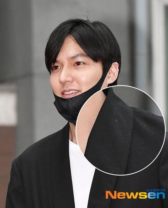 Xa showbiz đã lâu Lee Min Ho chẳng còn thiết tha chải chuốt đến mức mặt béo, gàu thì rơi lả tả xuống áo thế này?