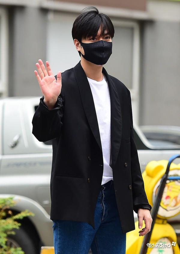 Nhân nhân vật đặc biệt này là ai mà khiến Lee Min Ho nhanh chóng phải gặp ngay sau khi xuất ngũ