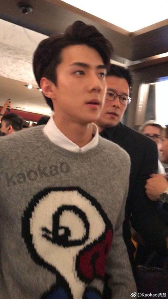 Cân trọn combo mặt mộc – cam thường, cậu út Sehun (EXO) đích thị là pho tượng sống của làng nhạc Kpop
