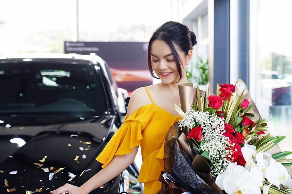 Không chỉ xinh đẹp hơn hậu ly hôn, Phạm Quỳnh Anh còn tậu hẳn xế hộp tiền tỷ khiến CĐM ngưỡng mộ