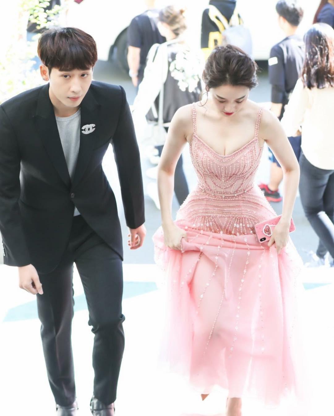 Đụng váy với Hương Giang và Hari Won, Hòa Minzy lép vế hoàn toàn vì điểm này