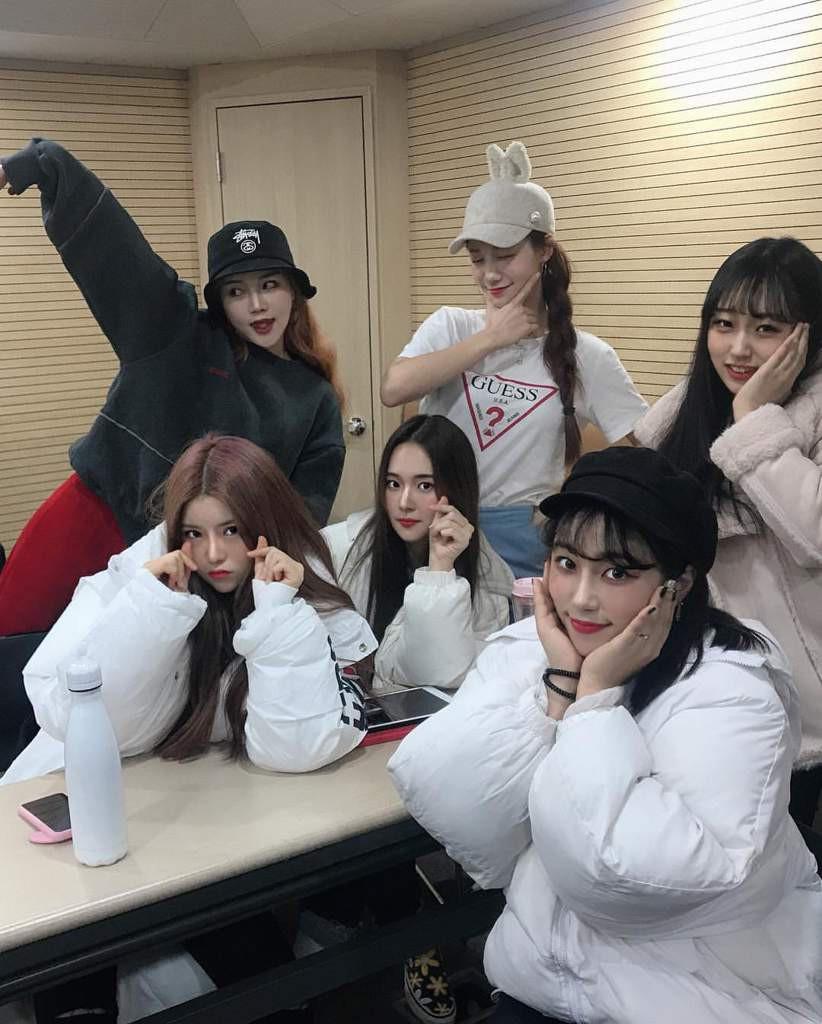 Em họ của thành viên EXO vừa ra mắt trong một nhóm nhạc nữ Kpop và nhan sắc thật sự không vừa
