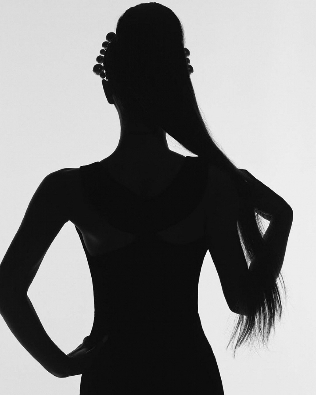Ariana Grande chính thức trở thành gương mặt đại diện mới của Givenchy