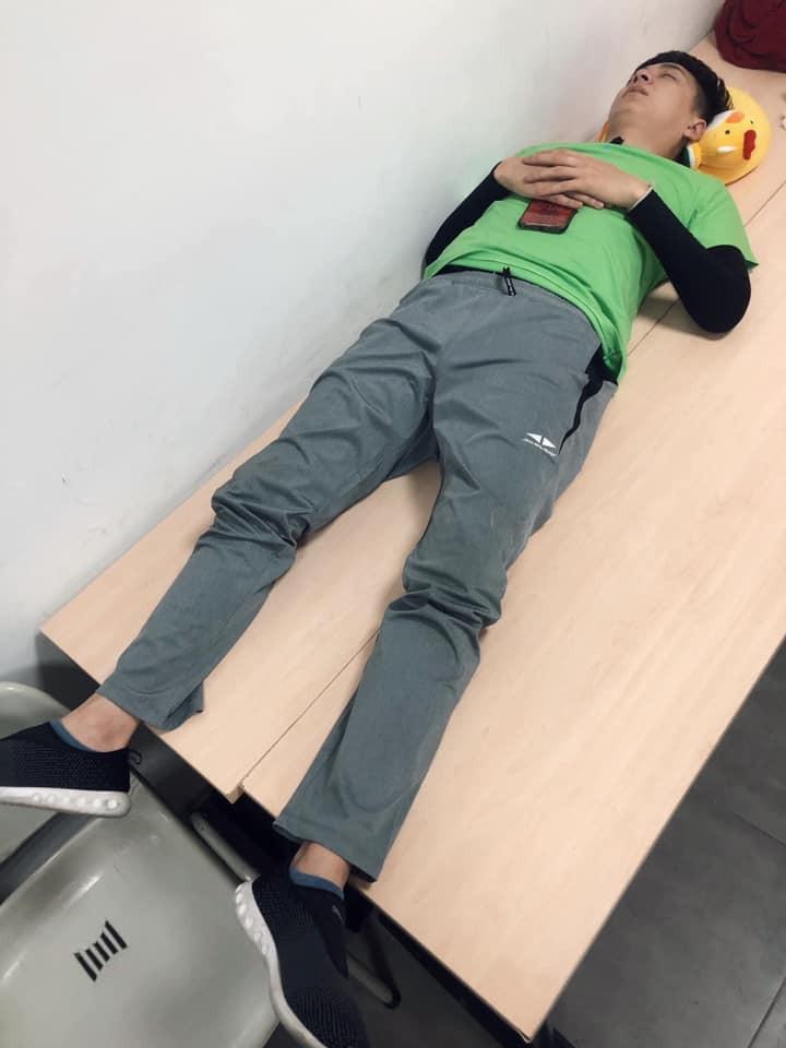 Thánh chơi dơ BB Trần vừa dìm hàng dáng ngủ của Trấn Thành, Jun Phạm và dàn cast Running Man là lập tức bị phản đòn