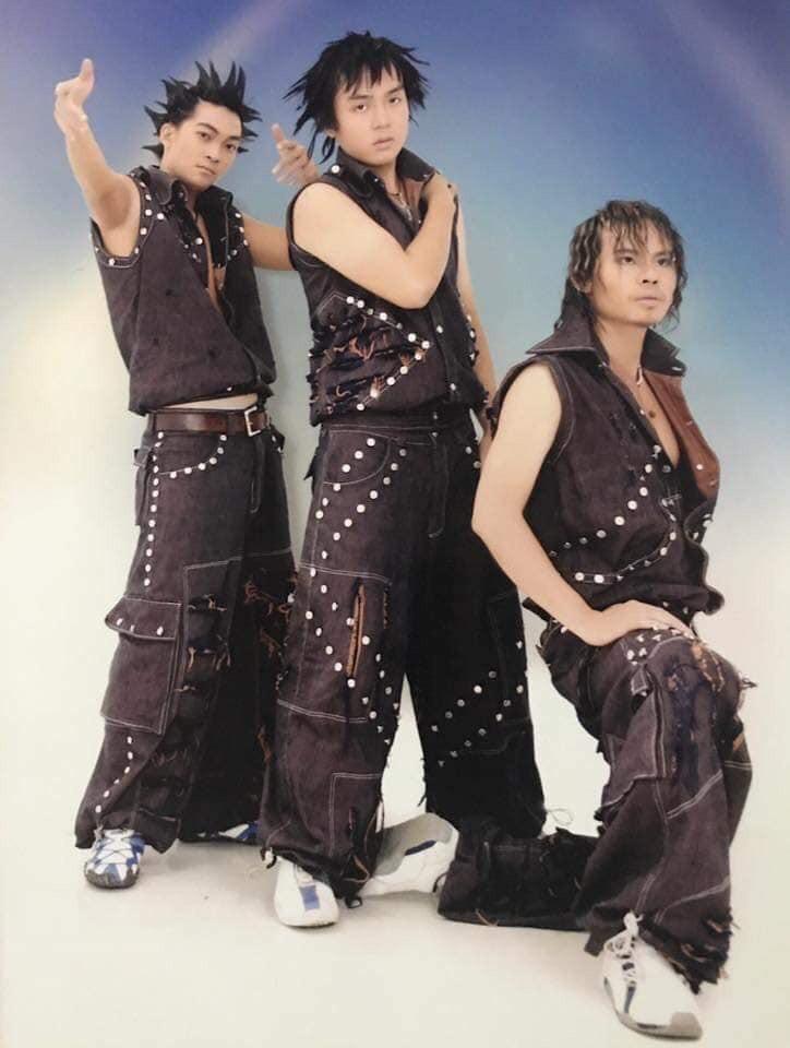 Cười té với tạo hình những nhóm nhạc nam có Ngô Kiến Huy, Khương Ngọc ngày xưa: Đến HKT cũng phải... chào thua