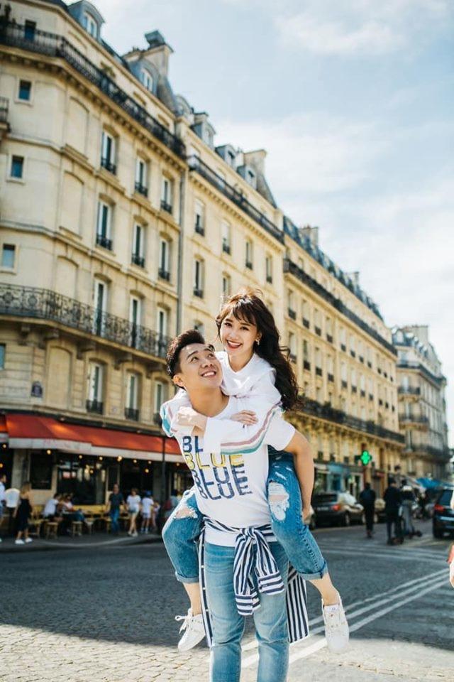 Vợ chồng Trấn Thành - Hari Won khoe khoảnh khắc lãng mạn trong chuyến du lịch ở Pháp khiến CĐM không khỏi ganh tị