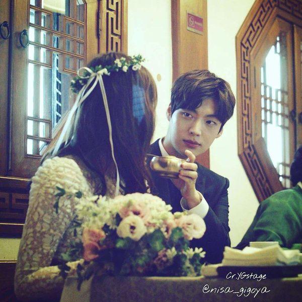Lý do Goo Hye Sun đăng ảnh cưới nhưng buồn rầu, Ahn Jae Hyun: Tôi đang rất đau lòng