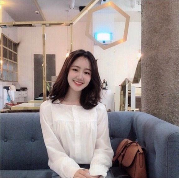 Heri Jin Ji Hee trong Gia đình là số một bỗng xóa hết ảnh trên Instagram, xuất hiện với diện mạo khác lạ