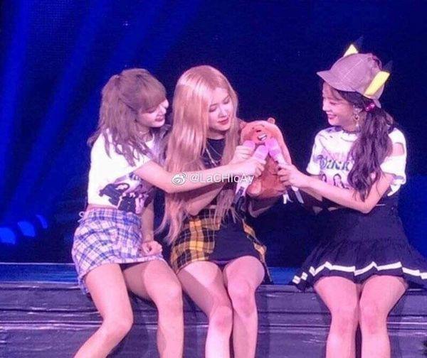 Fan quốc tế đang rất lo lắng cho Jennie (BLACKPINK): Mong YG đừng vắt kiệt sức các thành viên chỉ vì tiền