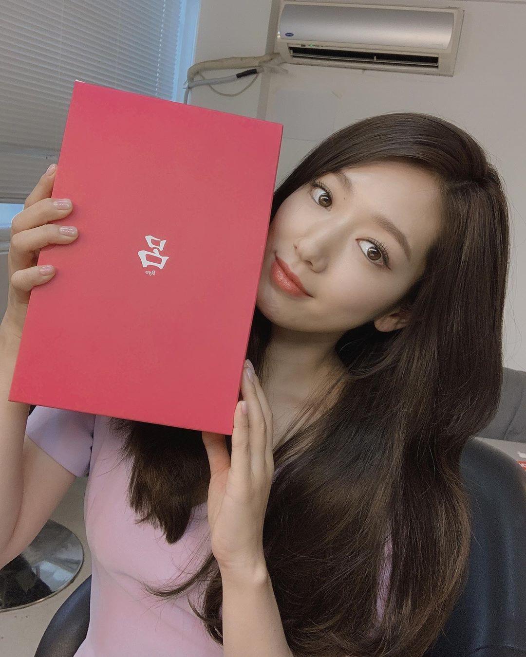 Được khen lột xác nhờ tóc ngắn, ai ngờ Park Shin Hye vừa đổi lại tóc dài đã đạt đến đẳng cấp nhan sắc mới!