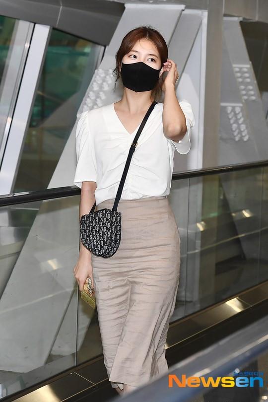 Lee Min Ho và Suzy lần lượt xuất hiện tại sân bay gần sinh nhật, tạo nên khung cảnh na ná ảnh hẹn hò 4 năm trước?