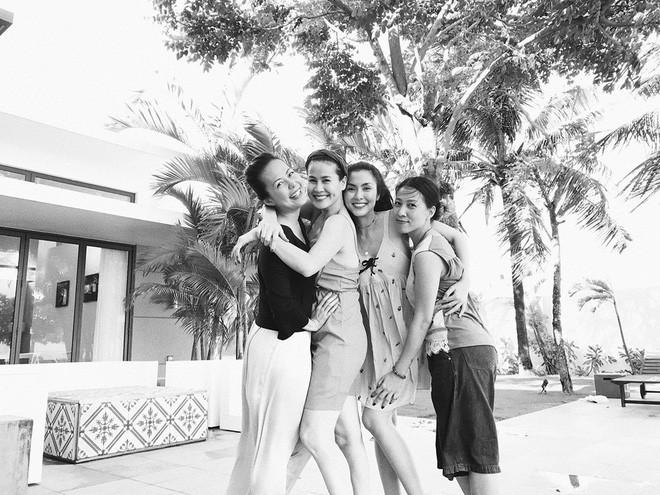 Những hội bạn thân toàn mỹ nhân Vbiz: Từ U30 đến U50 vẫn giữ vẻ đẹp tươi trẻ bất chấp thời gian, phong cách sành điệu miễn chê