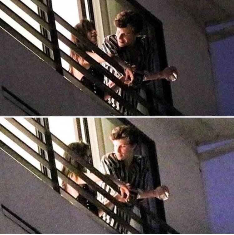 Không có friendzone nào mà bên nhau từ đêm đến sáng, nắm tay ôm ấp đủ kiểu như Shawn Mendes và Camila Cabello cả?
