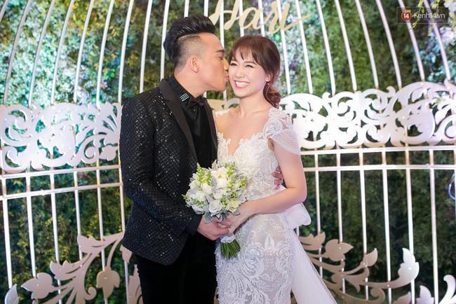 Trước Đông Nhi - Ông Cao Thắng, showbiz Việt đã nhiều lần rộn ràng với những màn cầu hôn đi vào lịch sử!