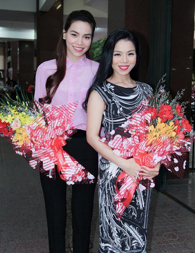 Đông Nhi khoe nhẫn kết hôn tạo thành trend, còn các mỹ nhân Việt khoe nhẫn chỉ vì... đơn giản là họ thích thế!