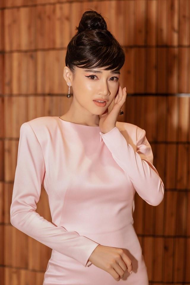 Sau kết hôn cùng Trường Giang, Nhã Phương hết lột xác sang hình ảnh gợi cảm mà còn thay đổi cả mái tóc đen dài