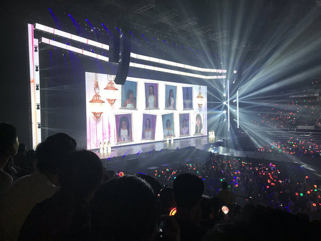 Vắng mỹ nhân người Nhật, concert của TWICE biến thành biển nước mắt vì hành động của fan