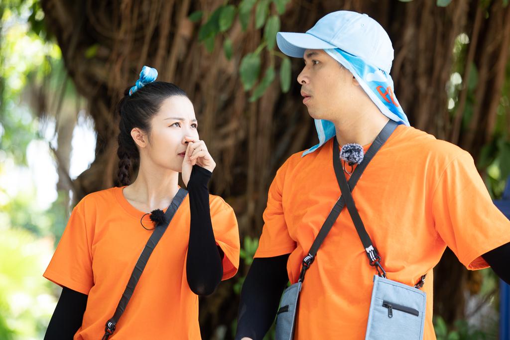 Ngoài Ông Cao Thắng, lần này Đông Nhi còn được cả trai đẹp Song Luân hộ tống tham gia tập đặc biệt của Chạy Đi Chờ Chi