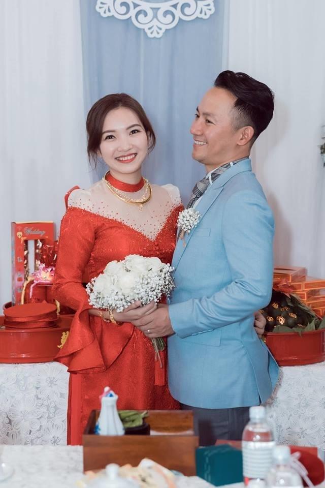 Mang thai con đầu lòng vợ rapper Tiến Đạt hạnh phúc tiết lộ: Anh Đạt chăm tôi rất khéo!
