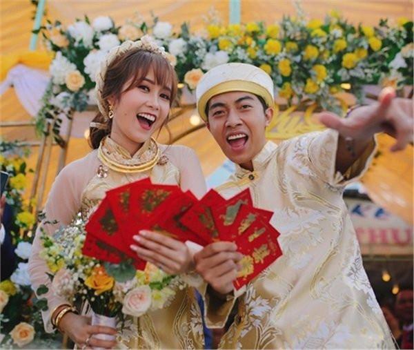 Lấy vợ chưa bao lâu, Cris Phan liên tục khoe ảnh mặc váy và phản ứng gây sốc của bà xã Mai Quỳnh Anh