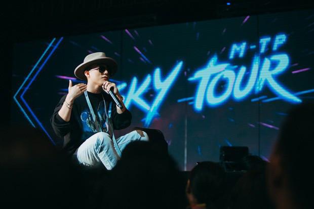 CĐM review nhanh về ngày đầu Sky Tour: Người khen nức nở, kẻ hụt hẫng vì nghe Sơn Tùng hát chưa đã