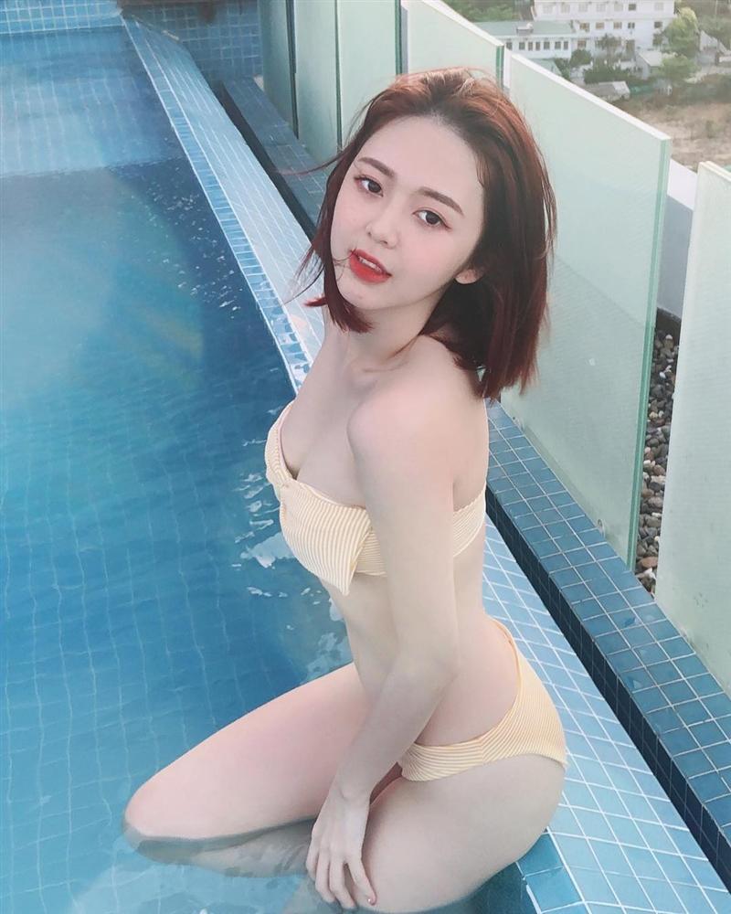 Liz Kim Cương diện bikini khoe body gợi cảm thế này ai chẳng chết mê chết mệt chứ đâu riêng Trịnh Thăng Bình
