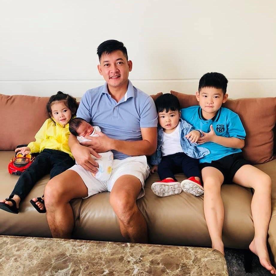 Sinh liền 3 nhóc tỳ, Hải Băng kêu tốn vì tiêu gần 10 triệu/ngày cho con, kể ra các khoản khiến hội bỉm sữa đồng cảm
