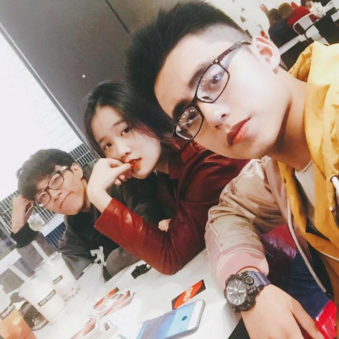 Thêm hội bạn cực phẩm gồm em trai Sơn Tùng và hai bạn gái cầu thủ