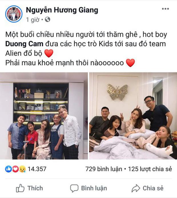 Hương Giang gãy chân nằm băng bó nhiều ngày liền, Dương Cầm dẫn đầu gia đình hoàng gia The Voice Kids tới thăm