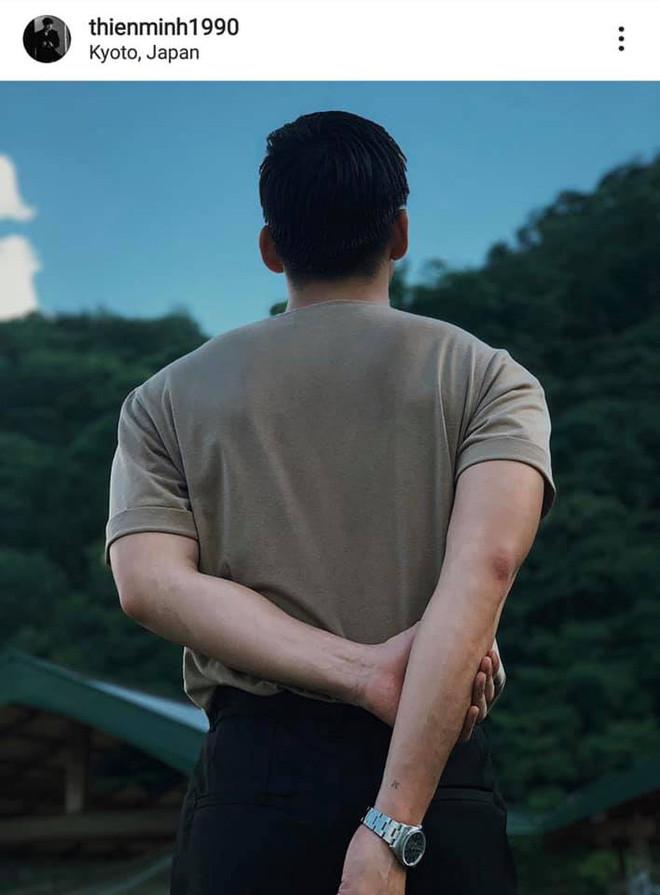 Quang Đại công khai nắm tay người yêu, CĐM bất ngờ soi ra người đó là Thiên Minh