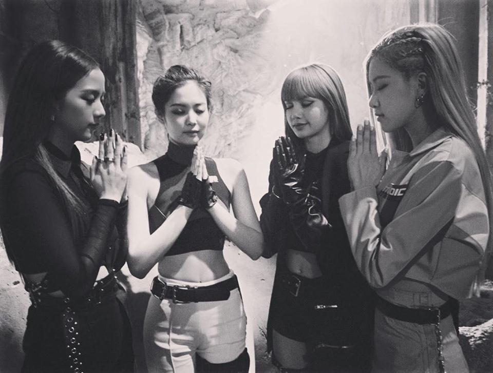 Ngay ngày kỷ niệm 3 năm BLACKPINK ra mắt, Jennie bất ngờ công khai tài khoản cá nhân làm món quà đặc biệt tặng fan vô cùng ngọt ngào!
