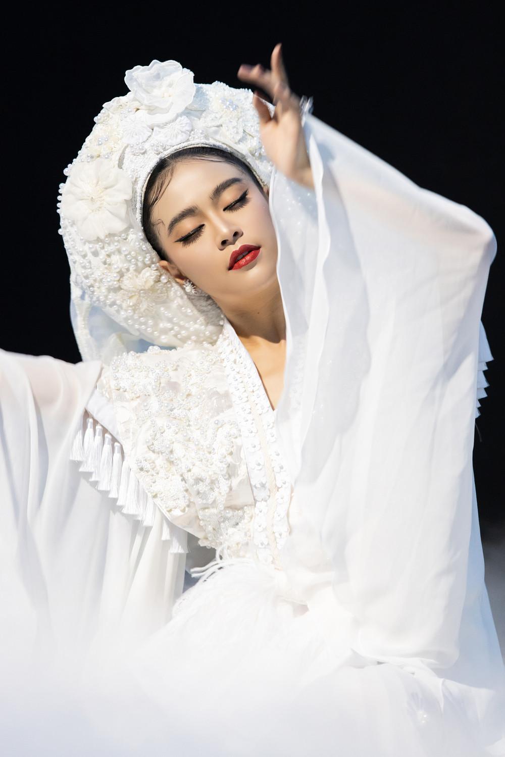 Ngỡ ngàng khi Quế Vân lên tiếng bắt bẻ Tứ Phủ của Hoàng Thùy Linh: Tôi thấy sai khi đặt Đạo Mẫu vào giải trí