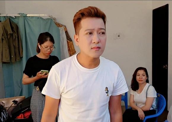 Để xứng đôi vợ trẻ, Trường Giang bất ngờ thay đổi điểm này trông cực điển trai khiến fan phải dụi mắt liên tục vì xuýt không nhận ra