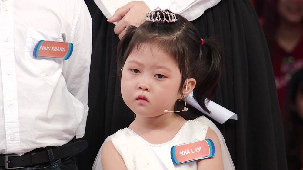 Bé 5 tuổi 3 lần vô địch Nhanh như chớp nhí: Chị Ba bất biến là ai mà khiến hàng loạt sao Việt phát cuồng?