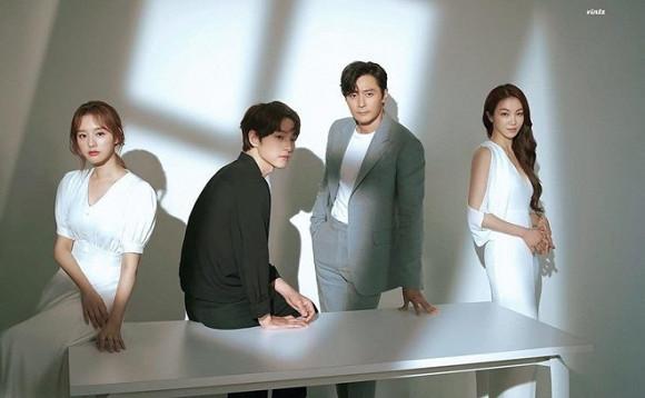 Song Joong Ki tỏ thái độ lạ sau những đồn đoán liên quan đến nữ thần Hậu duệ Mặt trời