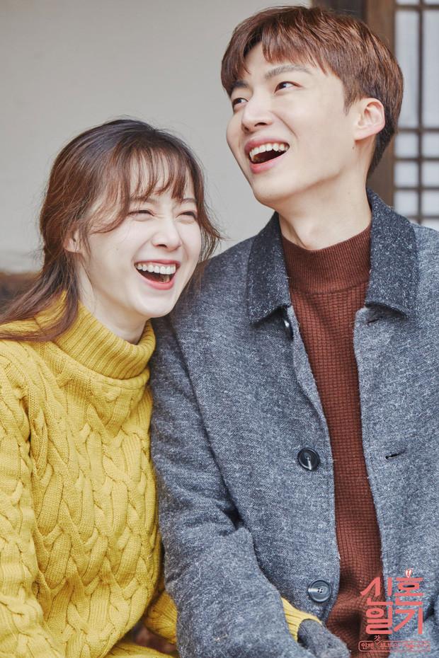 Goo Hye Sun tiết lộ bị lạnh nhạt, phải đọc báo để biết chồng làm gì khi rời YG sang công ty mới vì Ahn Jae Hyun