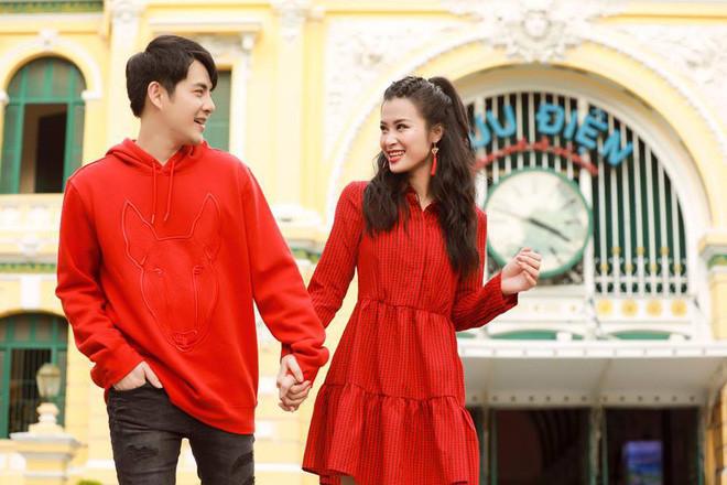 Những cặp vợ chồng vàng trong làng du lịch nhiều nhất showbiz Việt: Ông Cao Thắng từng nắm tay Đông Nhi chu du khắp nơi