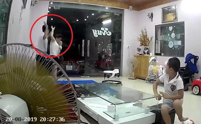 Các mỹ nhân Việt không thể giữ được cảm xúc trước clip vũ phu, vợ bị đánh nặng nề gây tranh cãi