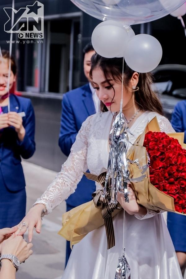 Bà xã Lâm Chấn Khang khiến CĐM xúc động với những chia sẻ về mối tình 17 năm trước ngày lên xe hoa