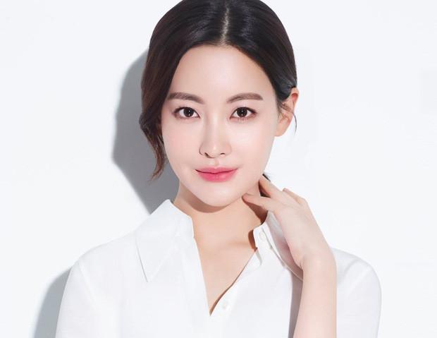 Động thái Goo Hye Sun và Ahn Jae Hyun sau tin ngoại tình: Chồng phải đi xin lỗi bạn diễn, vợ hiền bất ngờ dù bị kiện